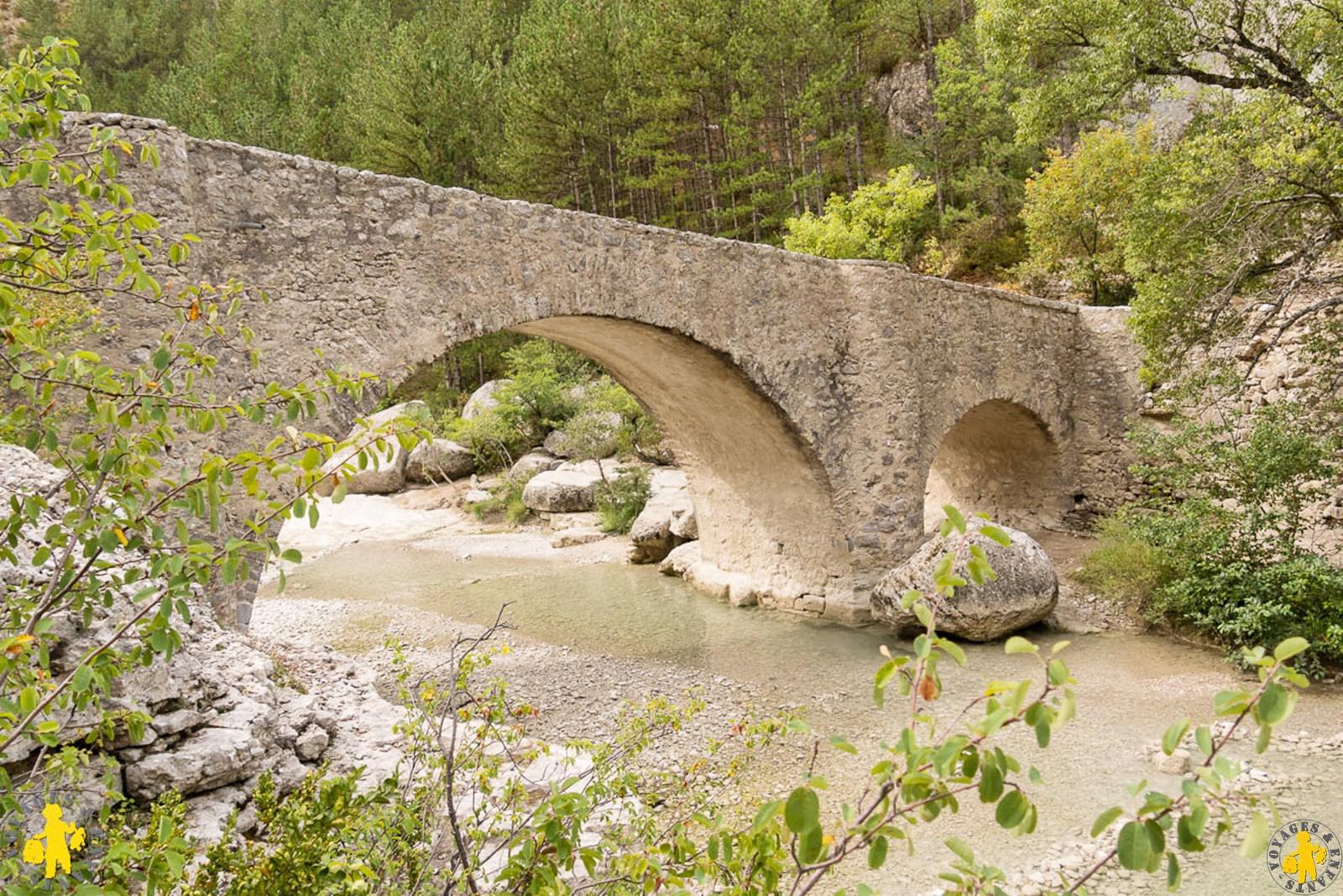 Gorges de la méouge randonnée pont roman